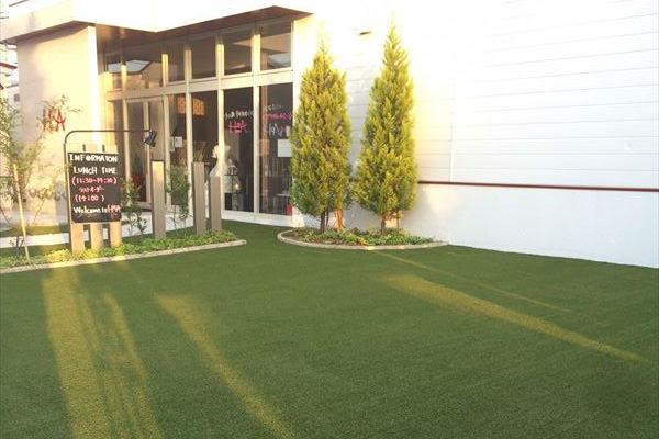 桧町H&A様結婚式場を人工芝でリニューアル